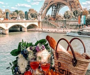 baguette, pic nic, and torre eiffel image