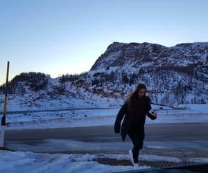 beautifulgirl, snow, and beautifulview image
