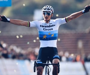 bike, crowd, and winner image