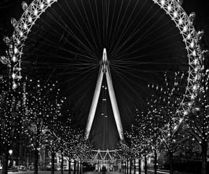 black and white, Londres, and villes image