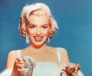 Marilyn Monroe, diamond, and blonde image