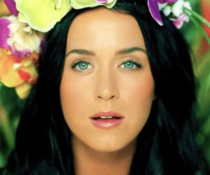 crown, katy perry, and video image