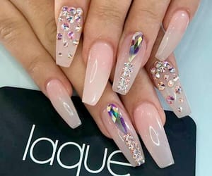 nails and shine image
