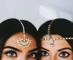 girls and jewelry image