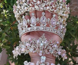 diamond, Queen, and crown image