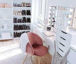 decor and shoes image