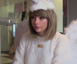 Taylor Swift and unicorn image