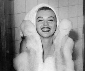 black and white, marilyn, and Marilyn Monroe image