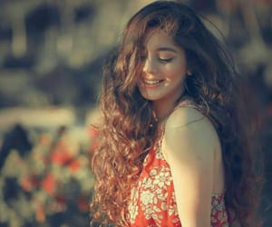 flowers, احمر اصفر ورود زهور عيون, and cute nice love image