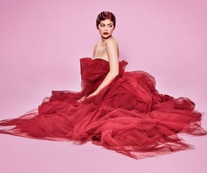kylie jenner, red, and kardashian image