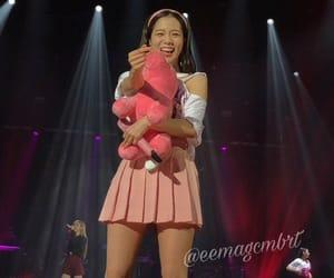 pink and kim jisoo image