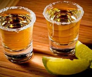 bebida, drink, and lemon image