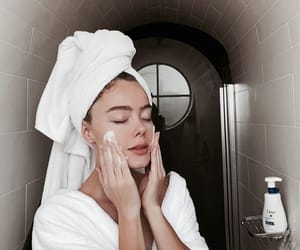 acne, morning routine, and article image