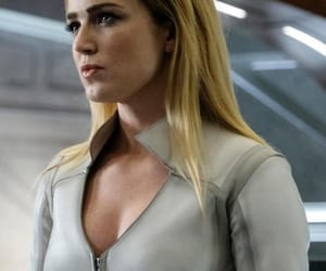 arrow, legends of tomorrow, and sara lance image