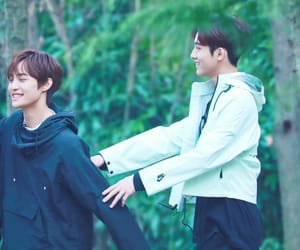 johnny, winwin, and dong sicheng image