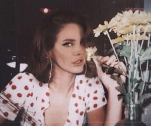 lana del rey, flowers, and aesthetic image