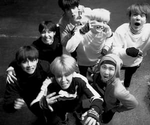 army, kpop, and tae image