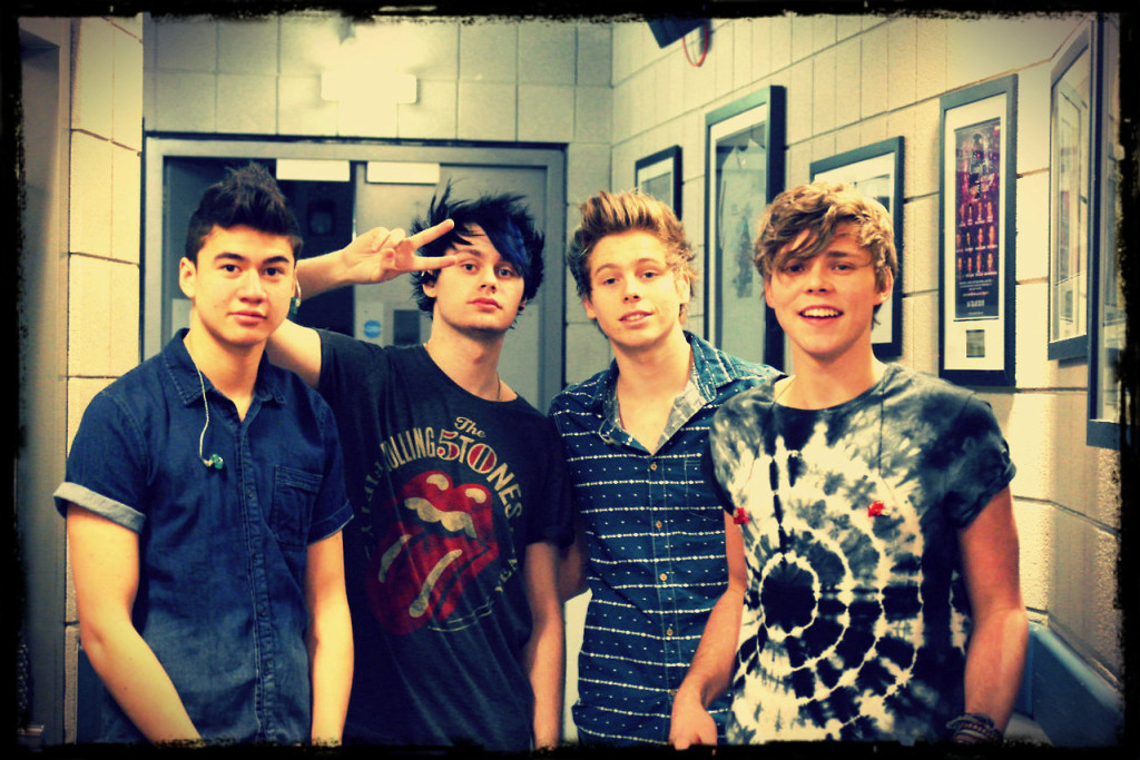 article and 5 seconds of summer image