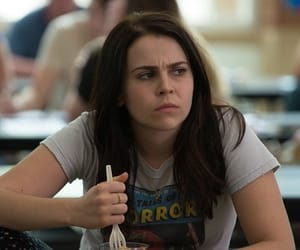 mae whitman, the duff, and bianca piper image