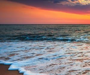 sky, sea, and thalassophile image