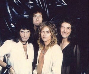 Queen, 70s, and band image