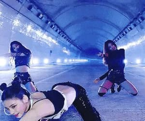 gif, kpop, and itzy image