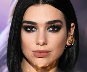 hijab and kim kardashian image
