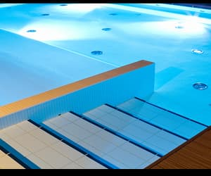 townsville swimming pools image
