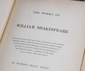 book and william shakespeare image