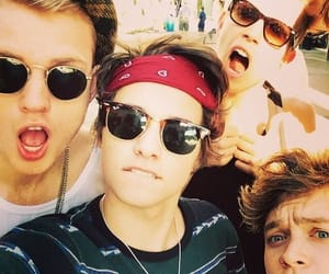 vampette, the vamps, and bradley will simpson image