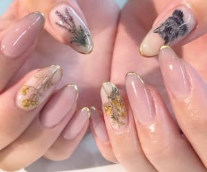 nails and pale image