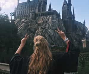 hogwarts, harry potter, and potter image