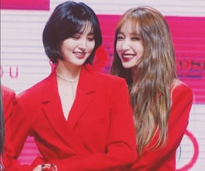 girlfriends, I Love You, and short hair image