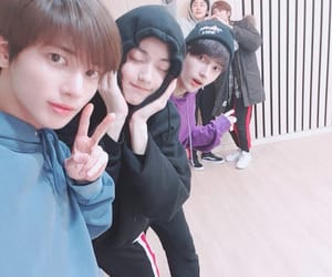 txt, taehyun, and soobin image