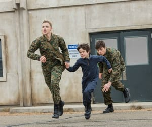 movie, running, and chloe grace moretz image