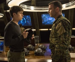 Liev Schreiber, movie, and the fifth wave image