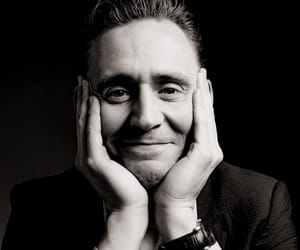 actor and tom hiddleston image