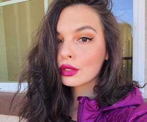 one day at a time, isabella gomez, and actrice image
