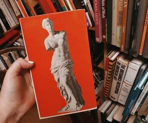 book, estatua, and fotos image