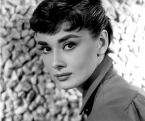 audrey hepburn, b&w, and black and white image