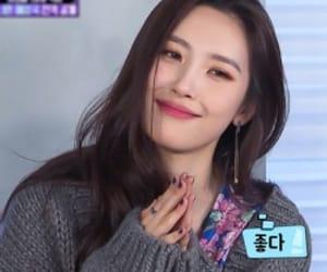 korean, kpop, and sunmi image