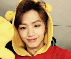 k-pop, yook sungjae, and 비투비 image