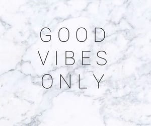 ✨, good vibes only, and fondos con frases image