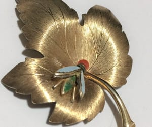 maple leaf, vintage jewelry, and holiday gift idea image