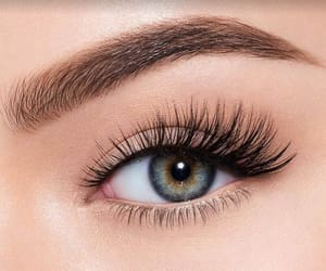 nails ringwood and eye lashes ringwood image