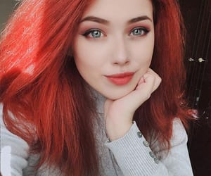girls, meninas, and red image