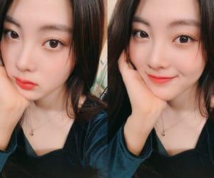 Lucy, weki meki, and noh hyojung image