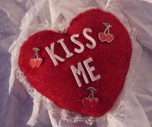 kiss me and red image