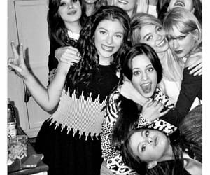 beauty, Taylor Swift, and friends image