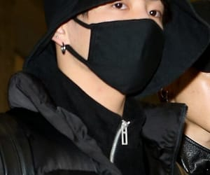 fashion, all black, and 방탄소년단 image